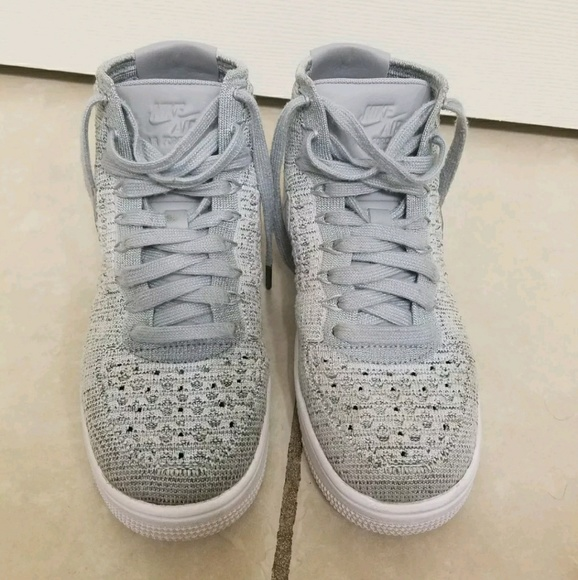 sports shoes d26c5 bc96a Nike Air Force 1 Flyknit Youth Sz 4. M 5a9cc3a26bf5a65fa20f1c91